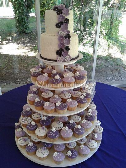 Torta 2 pisos y cupcakes