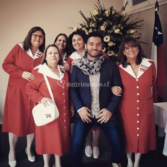 Aniversario damas de rojo