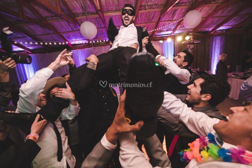 Celebración amigos del novio