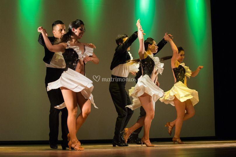 Staff de bailarines pro