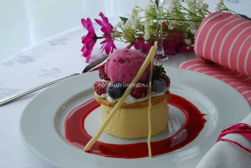 Timbal mousse y sorbete berrie
