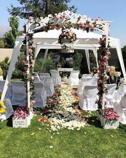 Arco floral en rosas