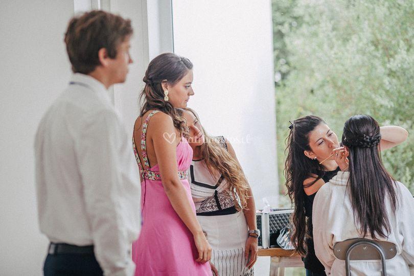 Todos expectantes a la novia