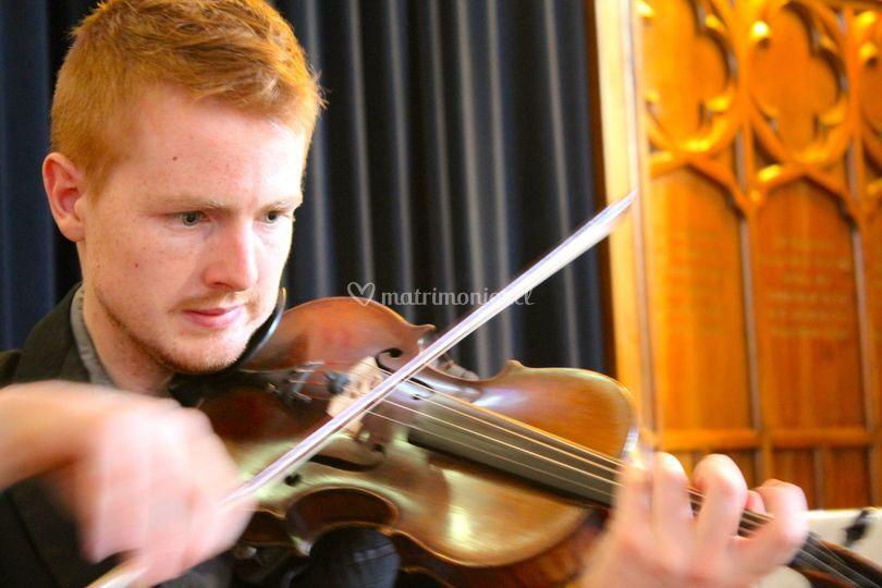 Max Donoso violín