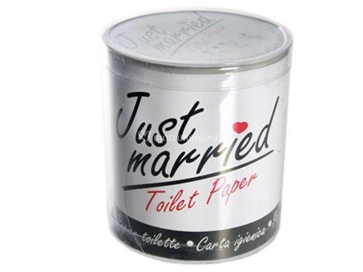 Toiletpaper married