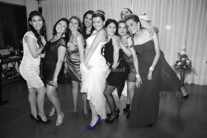 Novia y amigas