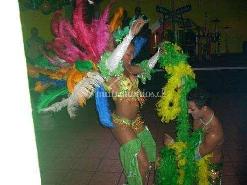 Mulatas y mulatos samba
