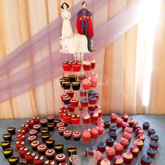Torta y cupcakes novios
