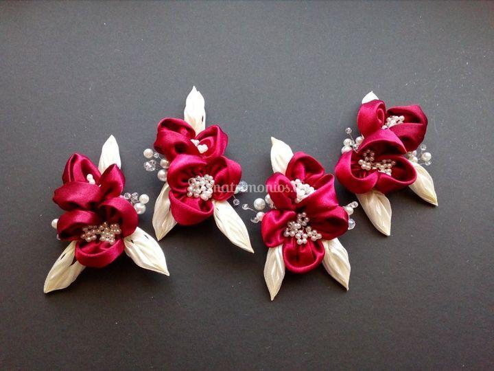 Corsage flores de satín