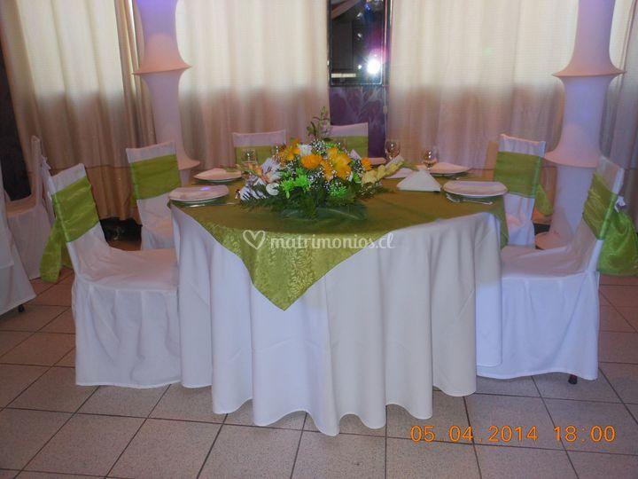 Mesa de novios en verde