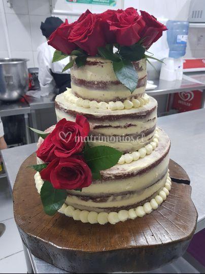 Torta desnuda romántica