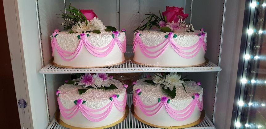Tortas en crema rosada