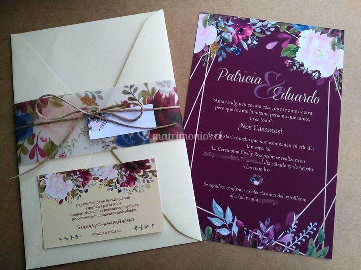 Invitación burdeo floral
