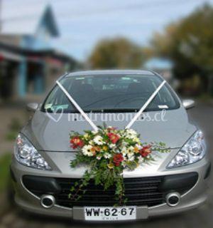 Decoración floral carro
