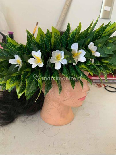 Corona hojas y flores