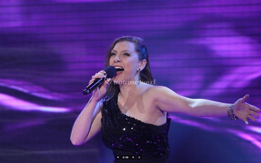 Francisca Iribarne Cantante