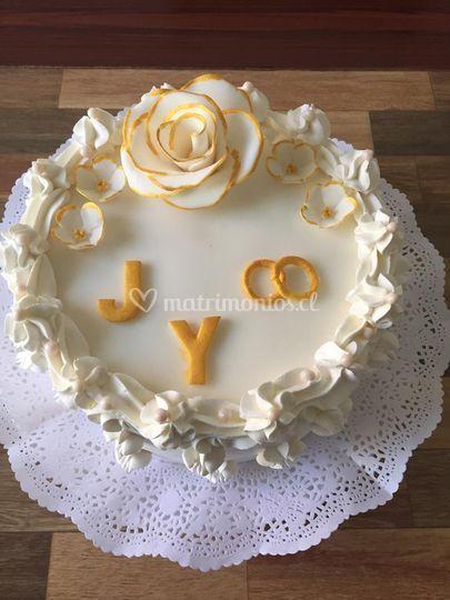 Crema y flores de azúcar