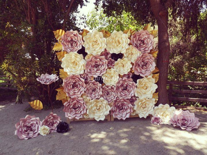 Mural de rosas vista frontal