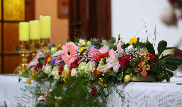 Arreglo para Altar de Iglesia