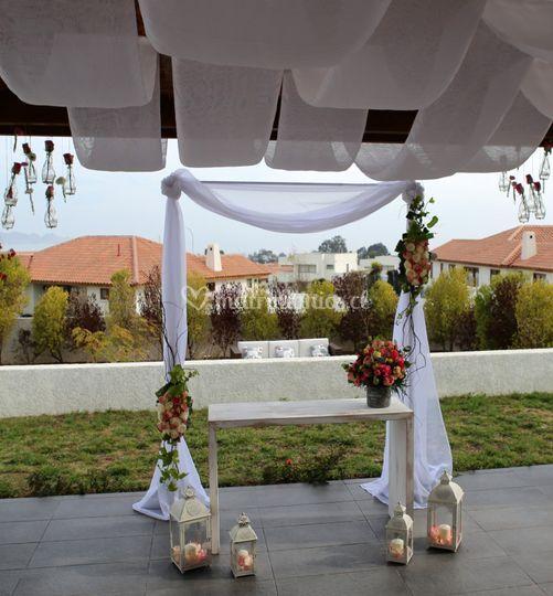 Arco floral de boda civil