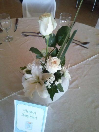 Modelo centro de mesa blanco