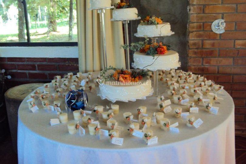 Decoración de torta y recuerdos
