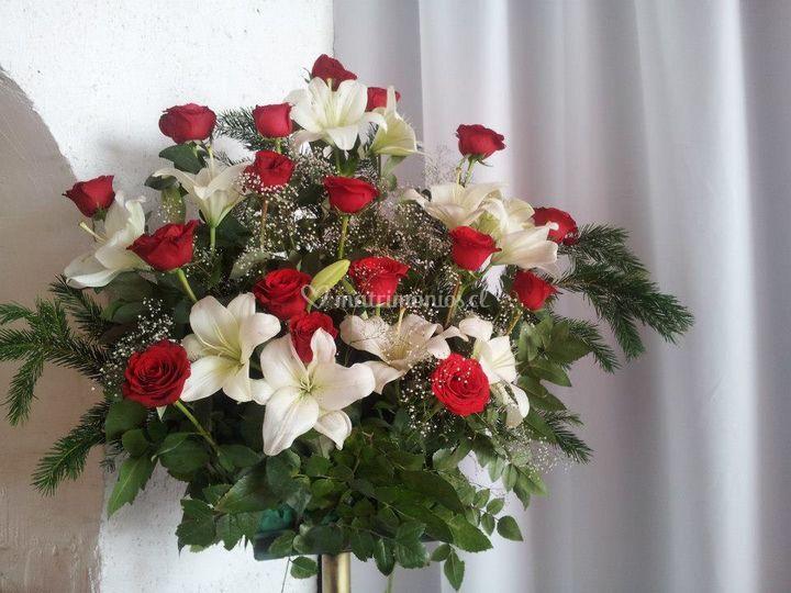 Pedestal floral
