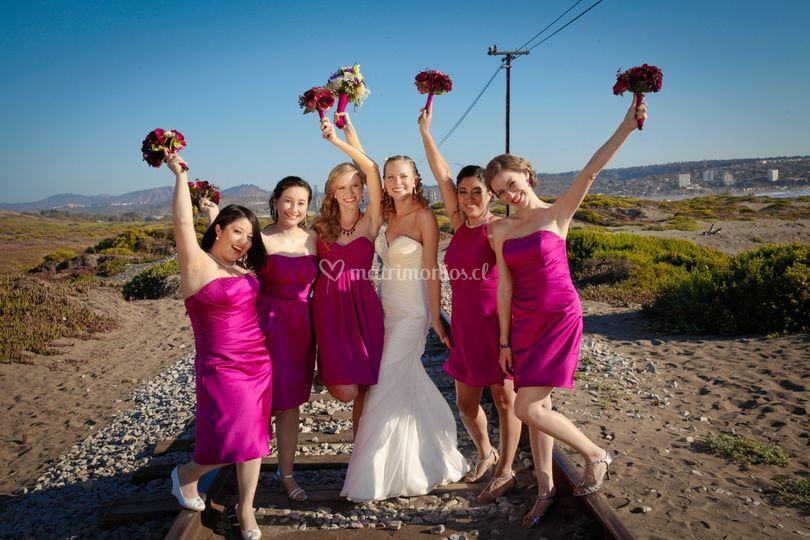 Madrinas junto a la novia