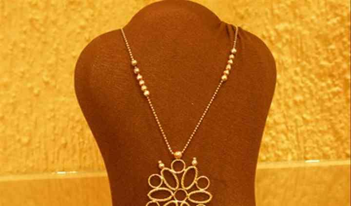 Collar oro flor
