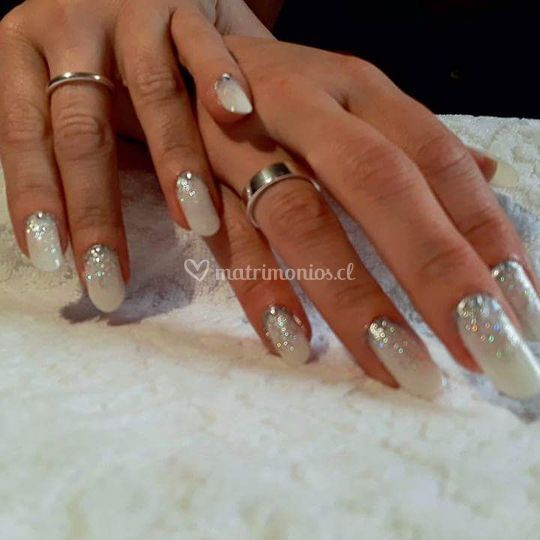 Blancas con brillos y piedra