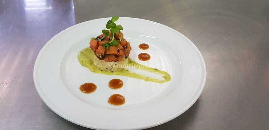 Tartaro de salmón a oriental