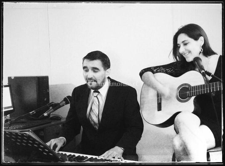 Arreglos piano, voz y guitarra