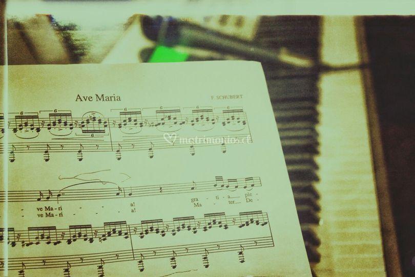 Ave maria, piano y voz