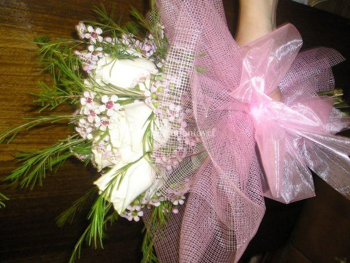 Ramo con detalles lilas