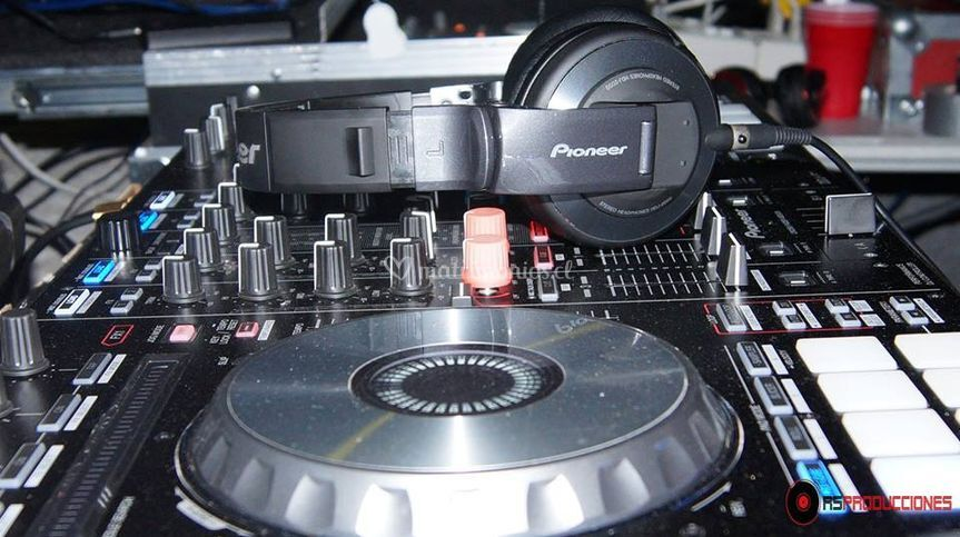 DJ y equipos
