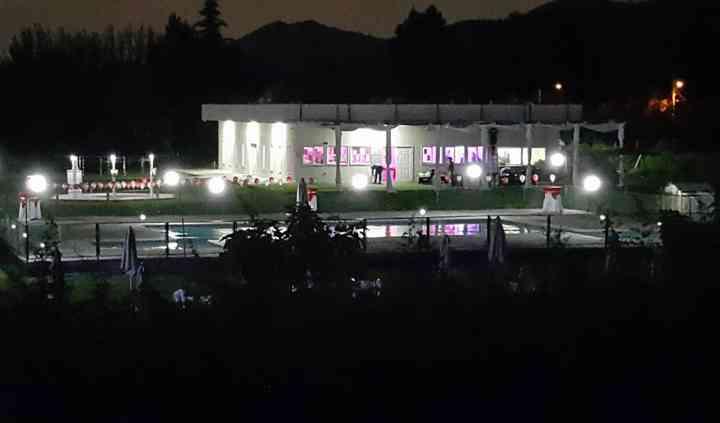 Vista aérea salón y piscina
