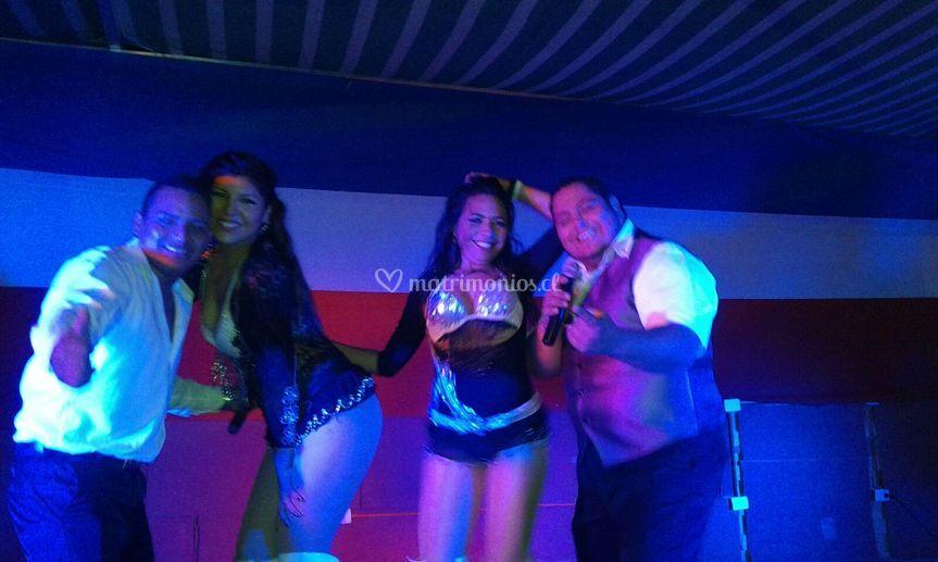 Evento con bailarinas