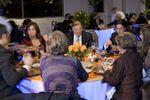Invitados comiendo de Arena Puerto Montt