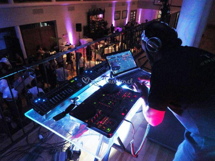 DJ & VJ