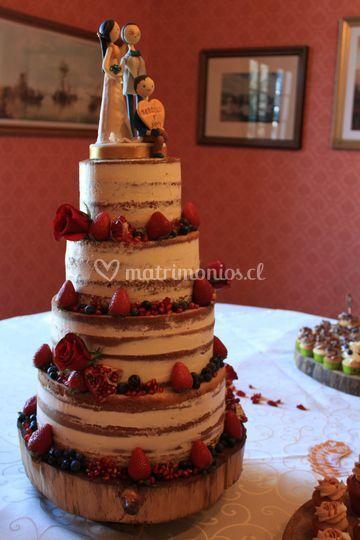 Torta nude cake con frutas