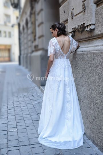 Consulta por este vestido.
