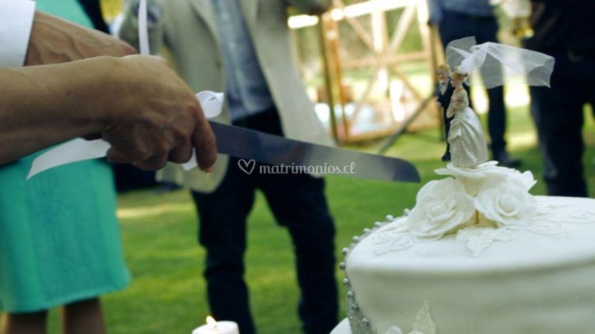 Cortando pastel
