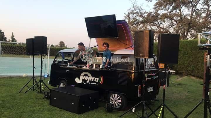 Comby, con dj y amplificación