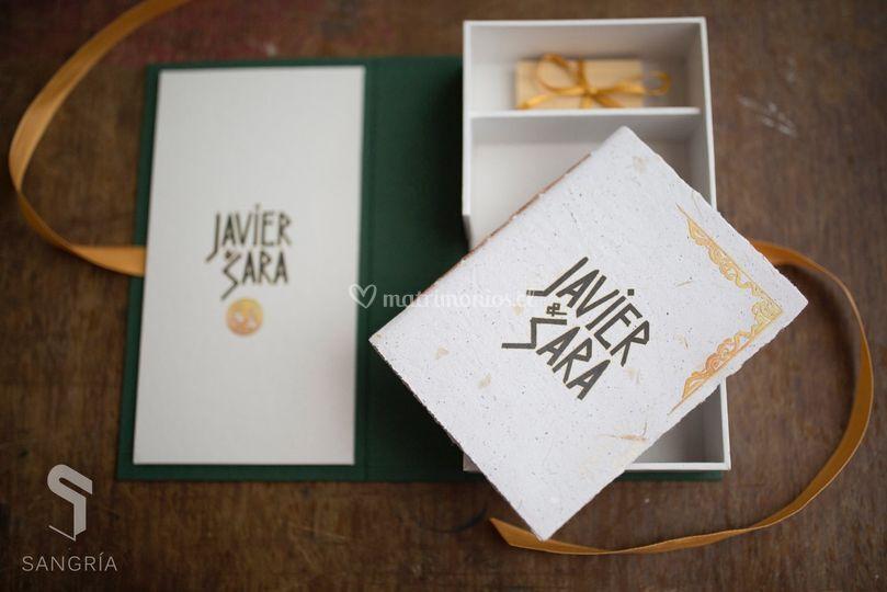 Libreta y caja de fotos