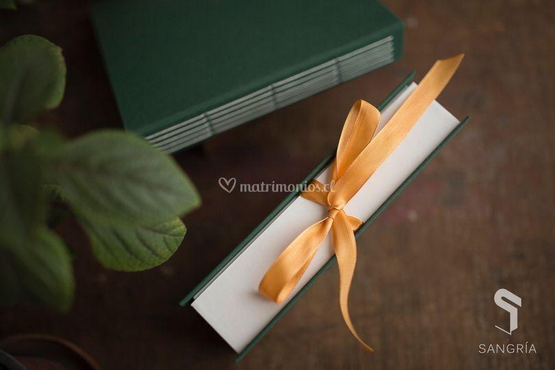 Libro de firma y caja de fotos