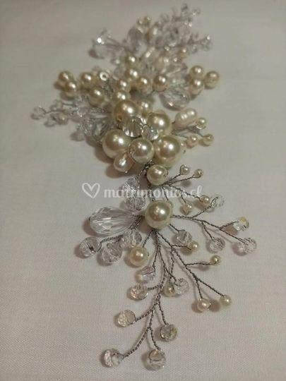 Tocado en perlas