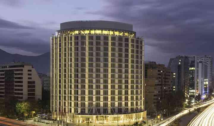 Fachada hotel Cumbres Vitacura