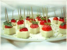 Queso con tomate