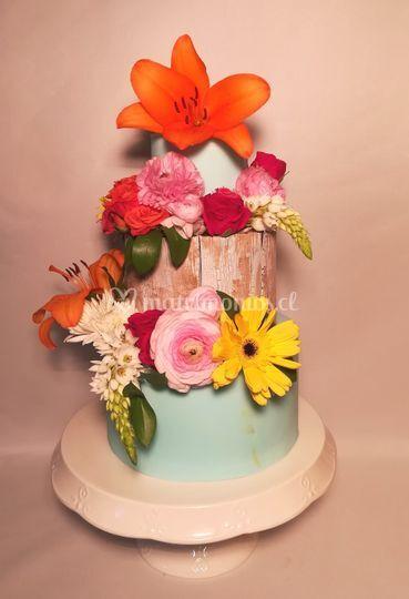 Torta flores y efecto madera