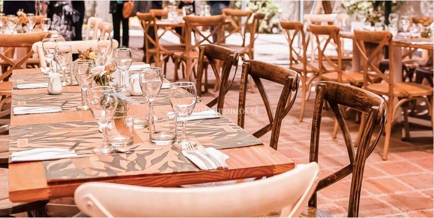 Opciones de mesas y decoración